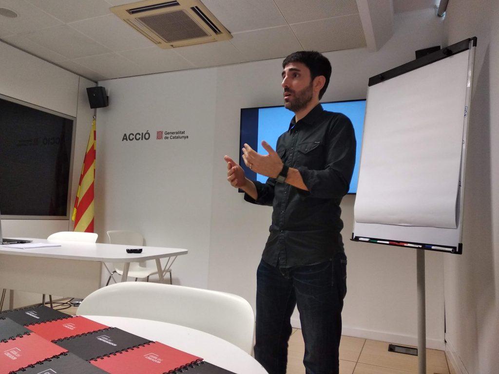 Introducción al crowdfunding + Case study: La guía del creador en Verkami (Valentí Acconcia).